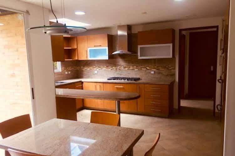 Portada Casa en santa ana, Bogotá. con 4 habitaciones- 420 mt2