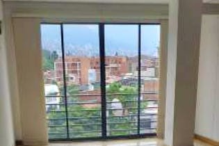 Apartamento en Conquistadores, Laureles - 110mt, tres alcobas, balcón