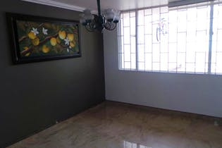 Casa en venta en Villa Del Prado de 4 habitaciones