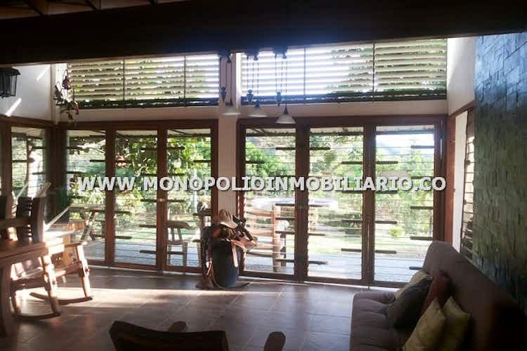 Portada Finca en La Primavera, Santa Fe de Antioquia - 350mt, cinco alcobas, jardines