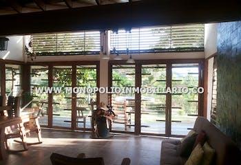 Finca en La Primavera, Santa Fe de Antioquia - 350mt, cinco alcobas, jardines
