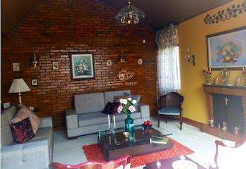 Casa en venta en Prado Veraniego, 247mt de dos niveles.