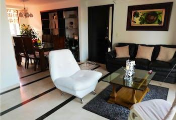 Apartamento en Loma de los Bernal, Belen - 118mt, tres alcobas.