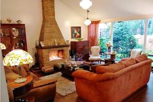 Casa en venta en Barrio Niza, 282mt con chimenea