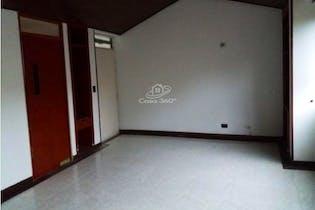 Apartamento en venta en Ciudad Salitre Oriental de 4 hab.