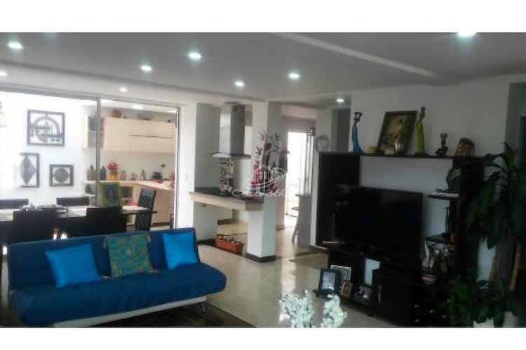Portada Casa en venta en La Granja-Zipaquira de 220 mt2. con 2 niveles.