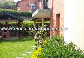 Casa en venta en Calle Larga de 3 hab. con Piscina...