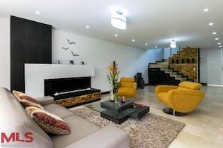 Casa en Loma del Chocho, Envigado - 326mt, cuatro alcobas, terraza
