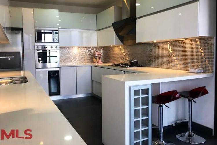 Portada Apartamento en Alejandría, Poblado, Portovitta- con 3 habitaciones- 268m2.