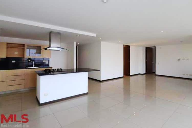 Portada Apartamento en Patio Bonito, Poblado - 114mt, dos alcobas, balcón