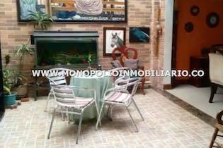 Casa Unifamiliar - Sector La Sebastiana, Envigado, con 4 habitaciones- 264m2.
