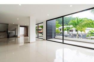 Casa Sector Las Palmas, Poblado, Con 4 Habitaciones- 400m2.