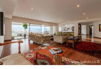 Apartamento 431 mts2-Ubicado en el Poblado -El campestre,3 Habitaciones.