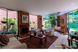 Casa: 274 m2 Área Lote: 264 m2-Ubicado en el Poblado-Los Balsos,4 Habitaciones.