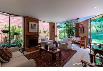 Casa en venta en El Poblado de 4 hab. con Jardín...