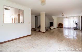 Casa Sector Alejandría, Medellín. Con 4 Habitaciones- 301m2.