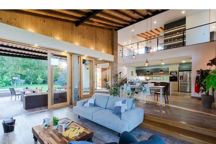 Portada Casa en Rionegro-Llanogrande, con 4 Habitaciones - 1656 mt2.