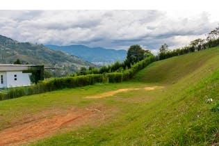 Lote en Envigado-Loma del Escobero, con 2500 mt2.