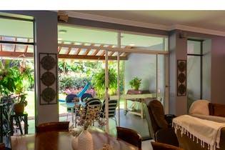 Casa en El Poblado-Las Lomas, con 3 Habitaciones - 310 mt2.