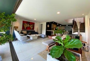 Casa en Loma de Benedictinos, Envigado - 200mt, tres alcobas, terraza