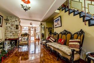 Casa con Chimenea de 2 niveles en Teusaquillo de 200m2