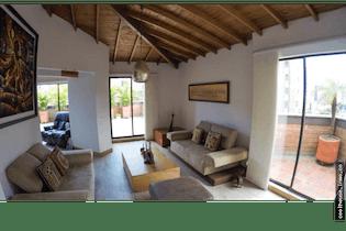 Apartamento en venta en La Aguacatala de 4 hab. con Solarium...