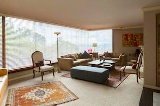 Apartamento en El Refugio, Chico - 303mt, tres alcobas, chimenea