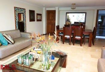 Apartamento en La Tomatera, Poblado - 154mt, tres alcobas, balcón