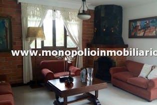 Casa en El Carmelo, Sabaneta, 3 Habitaciones- 265m2