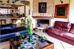 Casa en Tabio-Cundinamarca, con 5 Habitaciones - 2023 mt2.