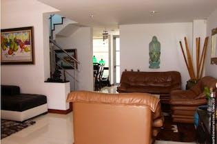 Casa en venta en Barrio Colina Campestre de 197m² con Jardín...