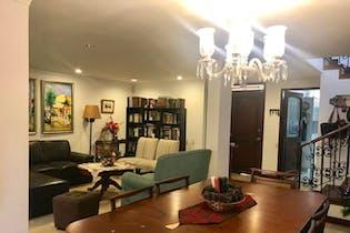 Casa en venta en Loma Del Escobero de 3 hab. con Zonas húmedas...