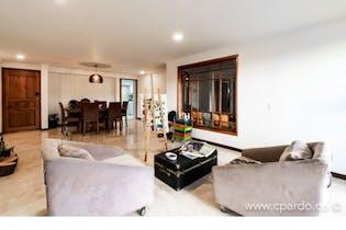 Apartamento en La Tomatera, Poblado - 146mt, tres alcobas, balcón