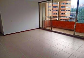 Apartamento en Santa Maria de los Angeles, Poblado - 140mt, tres alcobas, balcón