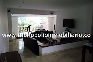 Casa en venta en Campo Amor de 4 hab. con Piscina...