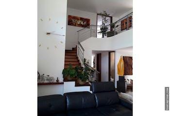 Apartamento en Loma de Benedictinos, Envigado - Tres alcobas