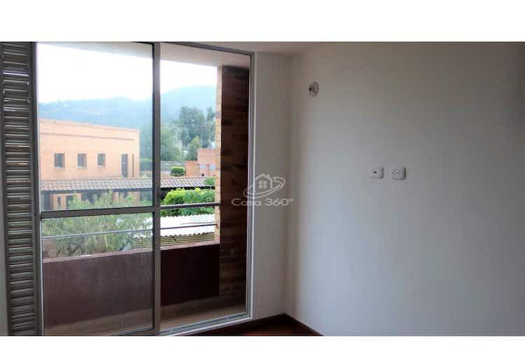 Portada casa en  Madrid.  Con 3 habitación- 53mt2