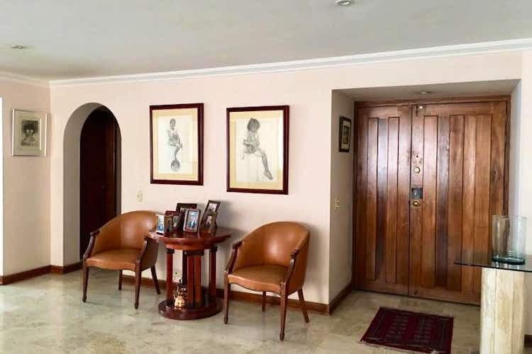 Portada Apartamento En Chicó-Rosales, con 3 Habitaciones - 234 mt2.