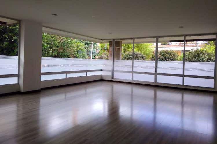 Portada Apartamento En Santa Bárbara-San Patricio, con 4 Habitaciones - 256 mt2.