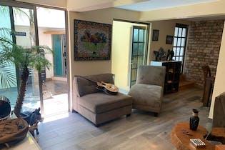 Casa en venta en San José de los Cedros de 250mts, tres niveles