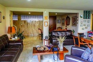 Casa en venta en Las Águilas de 1058 mt2.