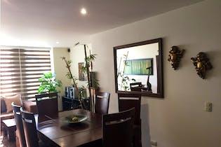 Apartamento en venta en Barrio Niza con acceso a Jardín