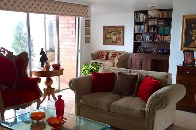 Portada Apartamento en El Tesoro, Poblado - 252mt, tres alcobas, balcón