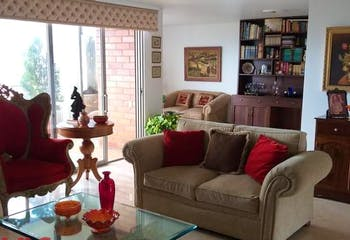 Apartamento en El Tesoro, Poblado - 252mt, tres alcobas, balcón