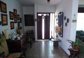Casa en Calasanz, Medellín. con 5 habitaciones-286.6mt2