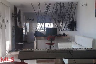 Apartaestudio en Patio Bonito, Poblado - 61mt, una alcoba, balcón