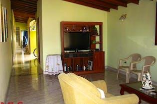 Casa en Cristo Rey, Guayabal - Cuatro alcobas