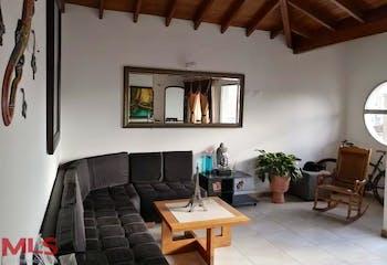 Casa en El Carmen de Viboral, Centro- 4 Habitaciones, Balcón