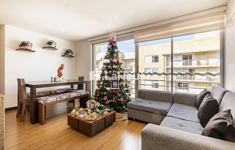 Portada Apartamento con balcón en San Cristobal Norte de 79m2
