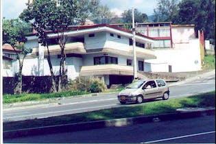 Casa en venta en Santa María De Los ángeles, 1047m² con Jardín...